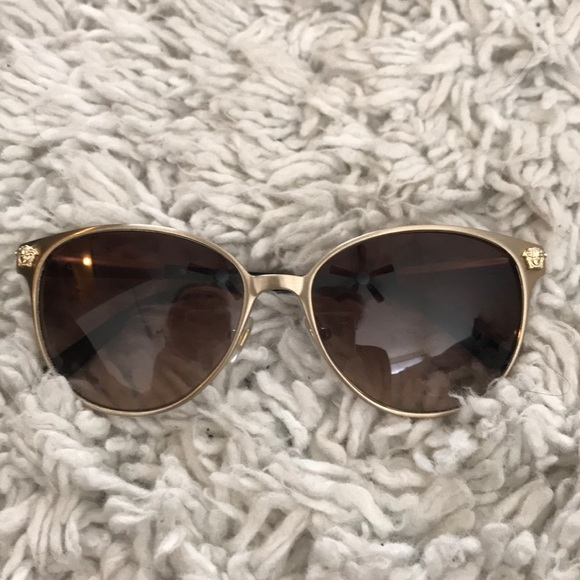 2875308897 Versace Women s Sunglasses (VE2168). M 5a47ddf9a825a6b8ed16322b